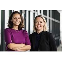 Videlina Georgieva (left) with Lise Dumant (right) (Photo: Svitzer)