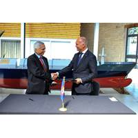 Left to Right: Dr. Nicos Peristianis, President of the Council of the University of Nicosia and Capt Norbert Aschmann, CEO of Bernhard Schulte Shipmanagement (Photo: BSM)