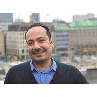 Imad Shanta and his family fled the war in Syria and headed to Germany. Since then, they have been living in a refugee center in Hamburg. (Photo: Hapag-Lloyd)