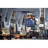 The Port of Savannah moved 300,671 twenty-foot equivalent container units in November. (Georgia Ports Authority / Stephen B. Morton)