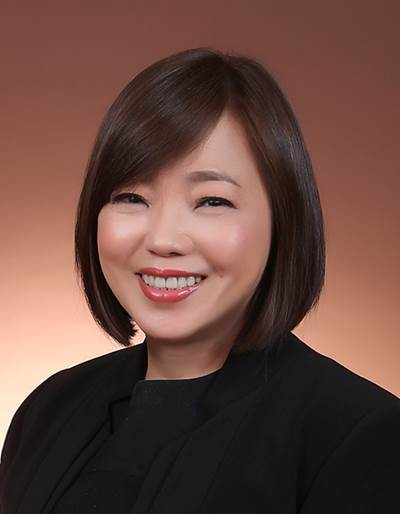 Ms. Caroline Yang, Chief Executive of Hong Lam Marine, is the first female President in SSA's 34 years' history  (Photo: SSA)
