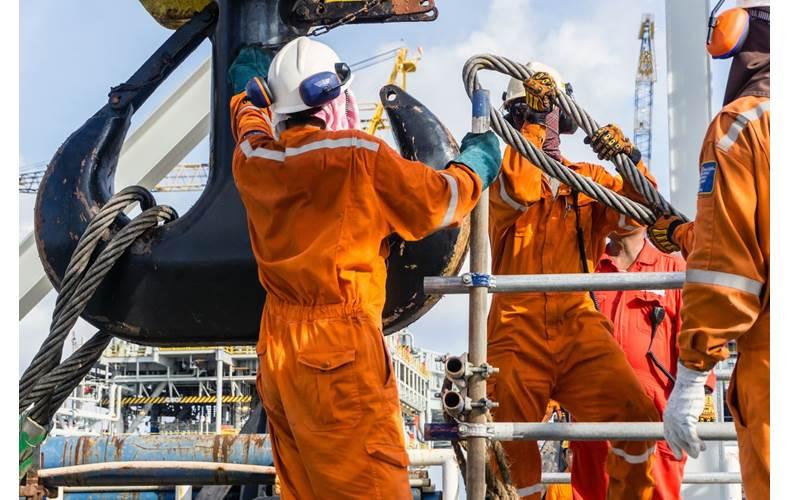 Offshore workers - Image by  wanfahmy - AdobeStock